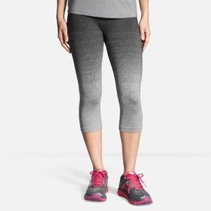 Brooks Streaker Capri Black & Gray Ombre Medium